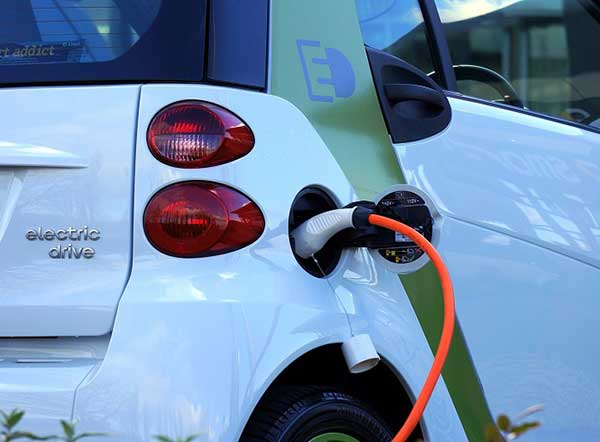 UK needs to act to prevent electric vehicle battery waste mountain – new study