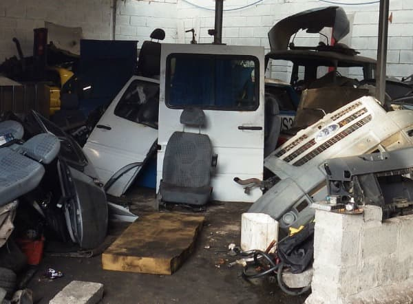 illegal vehicle dismantler to pay £400,000
