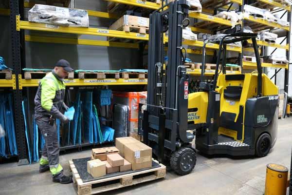 Combilift launch new Aisle Master Order Picker: Aisle Master-OP p one