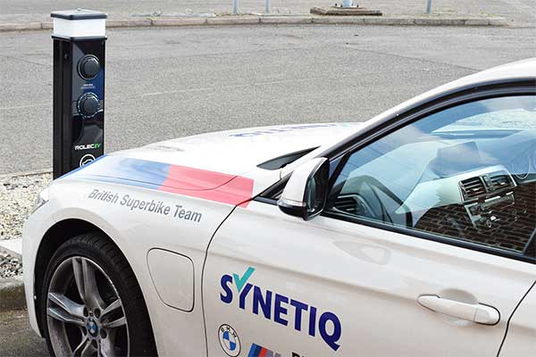 SYNETIQ marks World Environment Day by unveiling latest EV delivery van p chargepoint