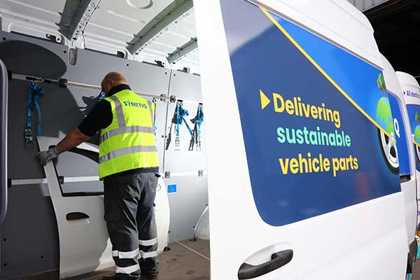 SYNETIQ & Zurich partner to reduce CO2 impact of vehicle repair p